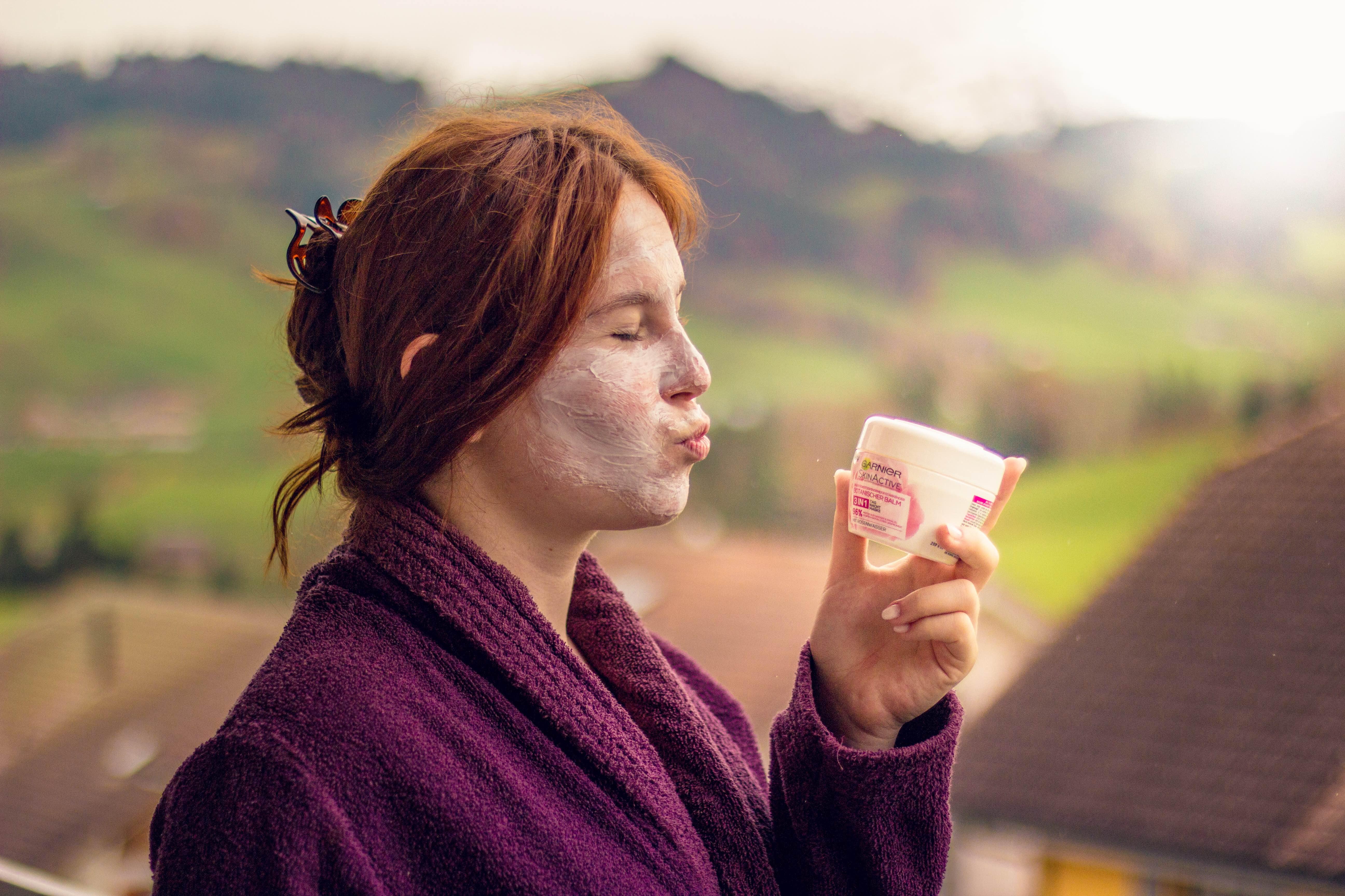 Beruhigendes Gesichtswasser und 3IN1   Tag-Nacht-Maske für SENSIBLE HAUT –  AnnasDing 2371b8f206